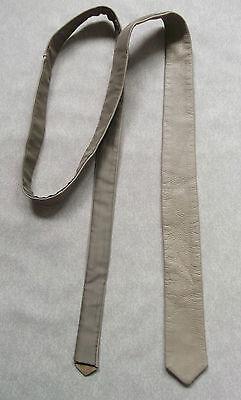 Frugale Attillati Tie Vintage In Pelle Da Uomo Slim Jim Cravatta Retrò Beige Tedesco-mostra Il Titolo Originale Buoni Compagni Per Bambini E Adulti