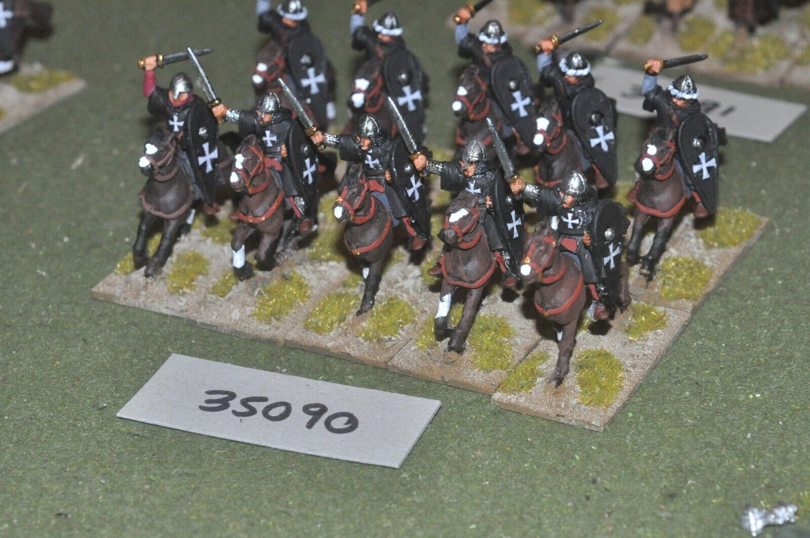 25mm medieval   crusader - military order 10 figures - cav (35090)
