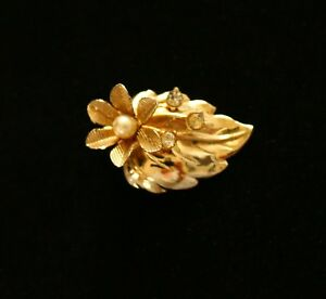 BROOCH-vintage-beautiful-flower-with-rhinestones-gold-tone-metal
