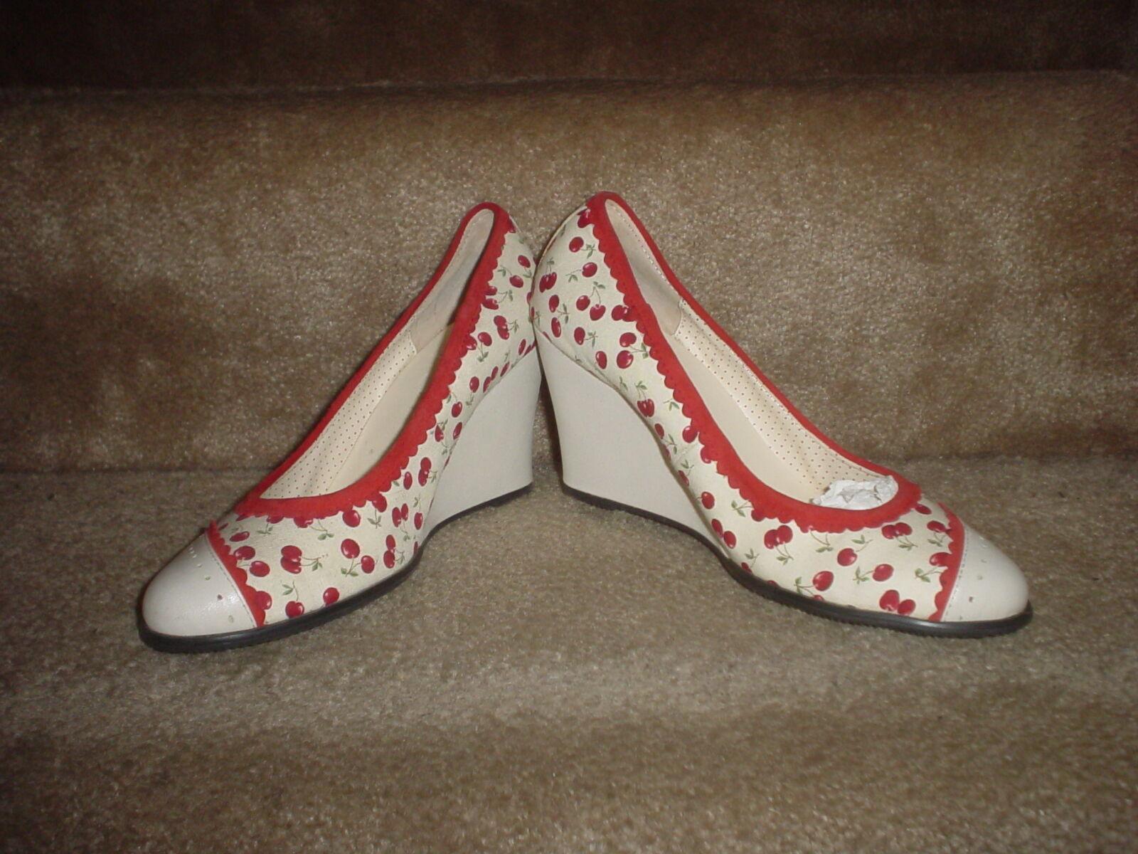 WOMENS DRAVEN (FORBIDDEN BLOSSOM- NAT. & CHERRY) WEDGE HEEL SLIP-ON SHOES S. 7.5