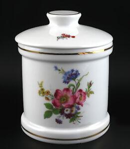 9947044-Porcelain-Geback-dose-Kammer-Roses-Flowers