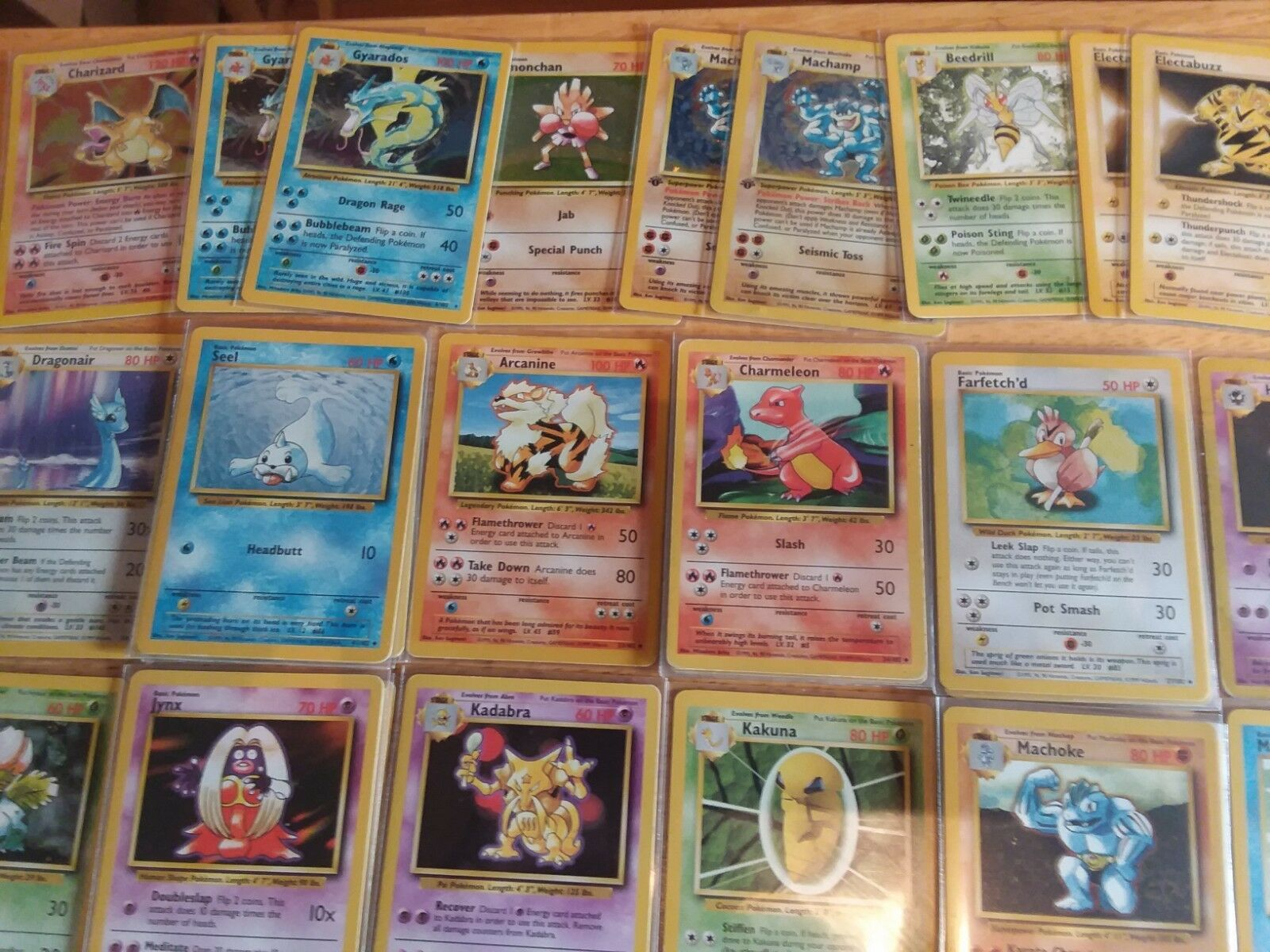 Pokemon Cards - Base Base Base Set - Lot of 606 cards with card predectors. 631c1a