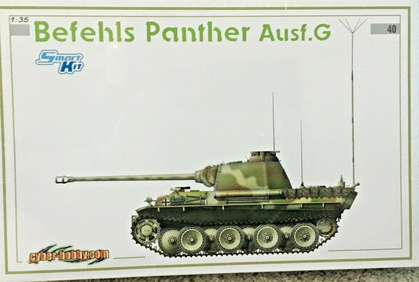 1 35 German Befehls PANTHER Ausf. G  Dragon Cyber Hobby White Box