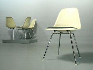 4-x-Eames-Side-Chair-Herman-Miller-Fiberglas-Parchment-H-Base-DSX-Vitra-Stuhl