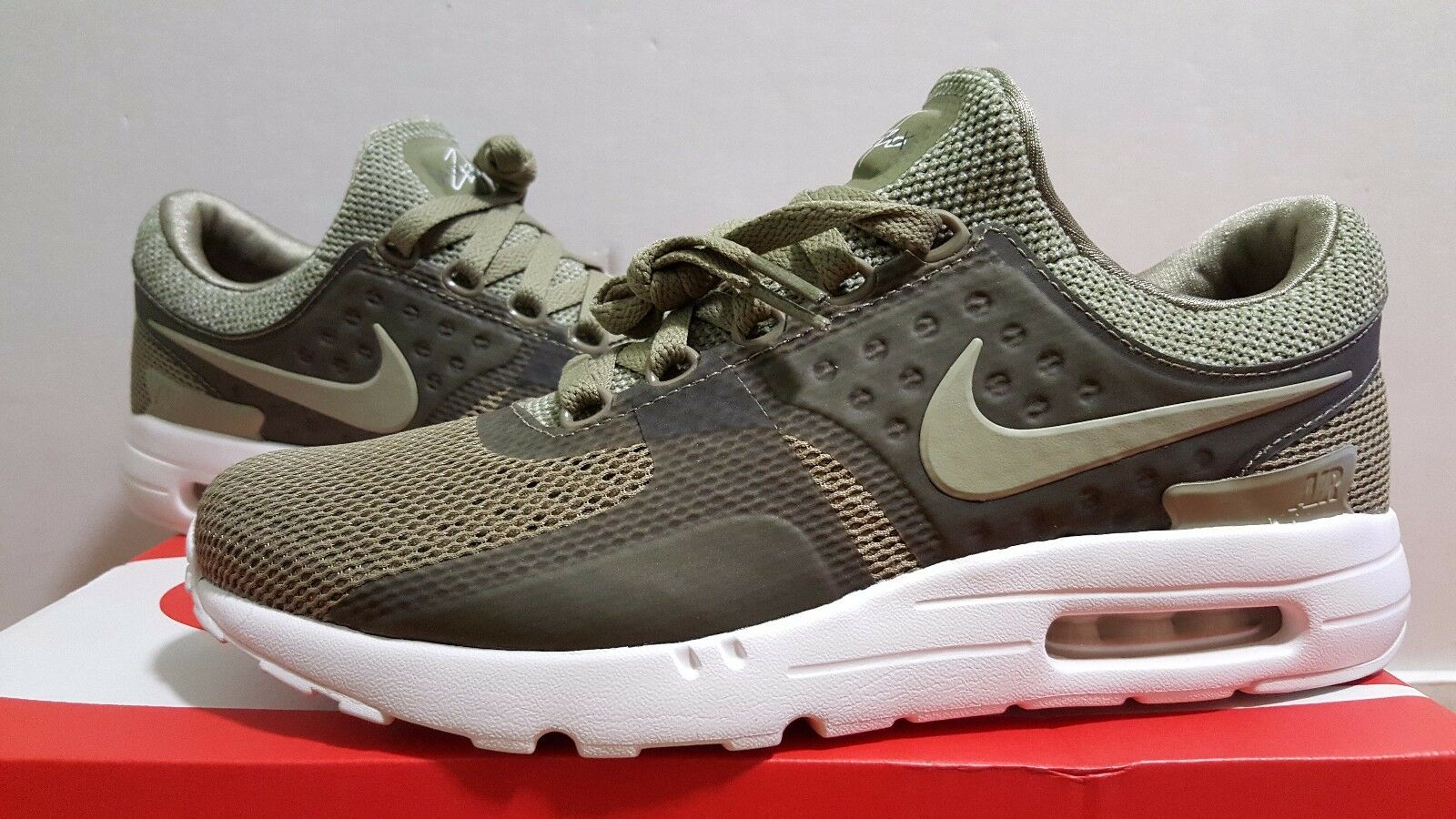 Nike Air Max Zero BR Trooper Olive Green/ Summit White (903892 200)- Size 9.5