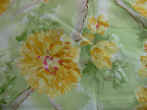 Every-Living-Thing-Mary-Fisher-Riverwoods-Collection-Green-Yellow-Flowers-1yd