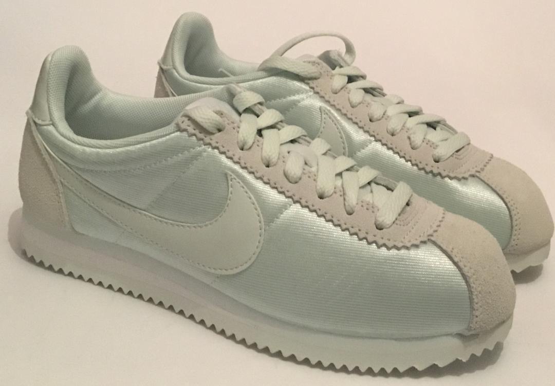 Nike Nike Nike Women's Classic Cortez Nylon Trainers - Pale Green- Grey - Sizes  3 - UK 7 450c9a