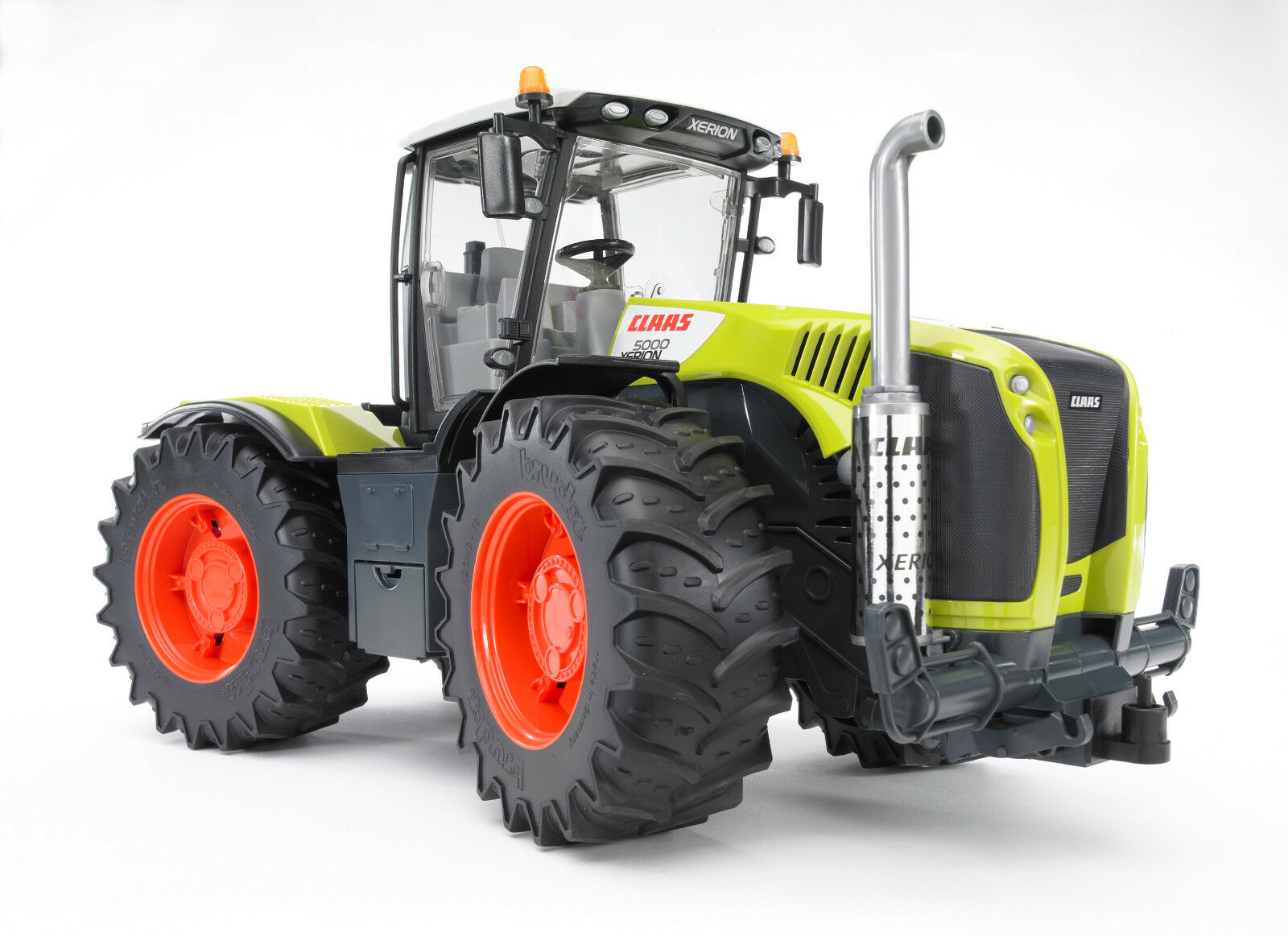 Bruder 03015 Claas Xerion 5000 Traktor für Bauernhof Bworld