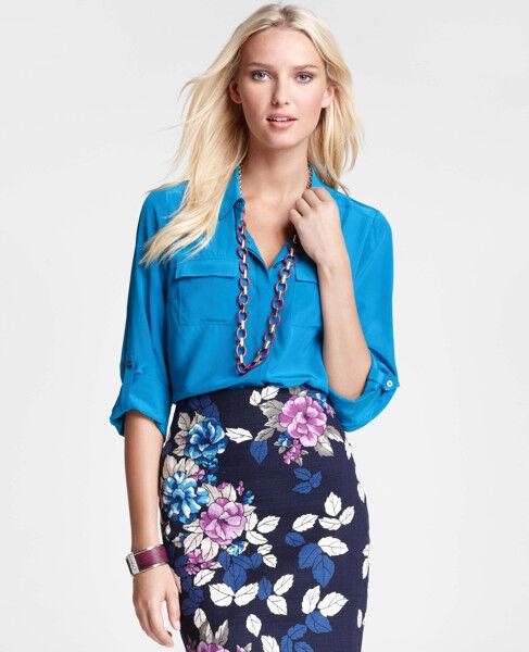 NWT Ann Taylor Long Sleeved Silk Shirt in Blau Größe 4