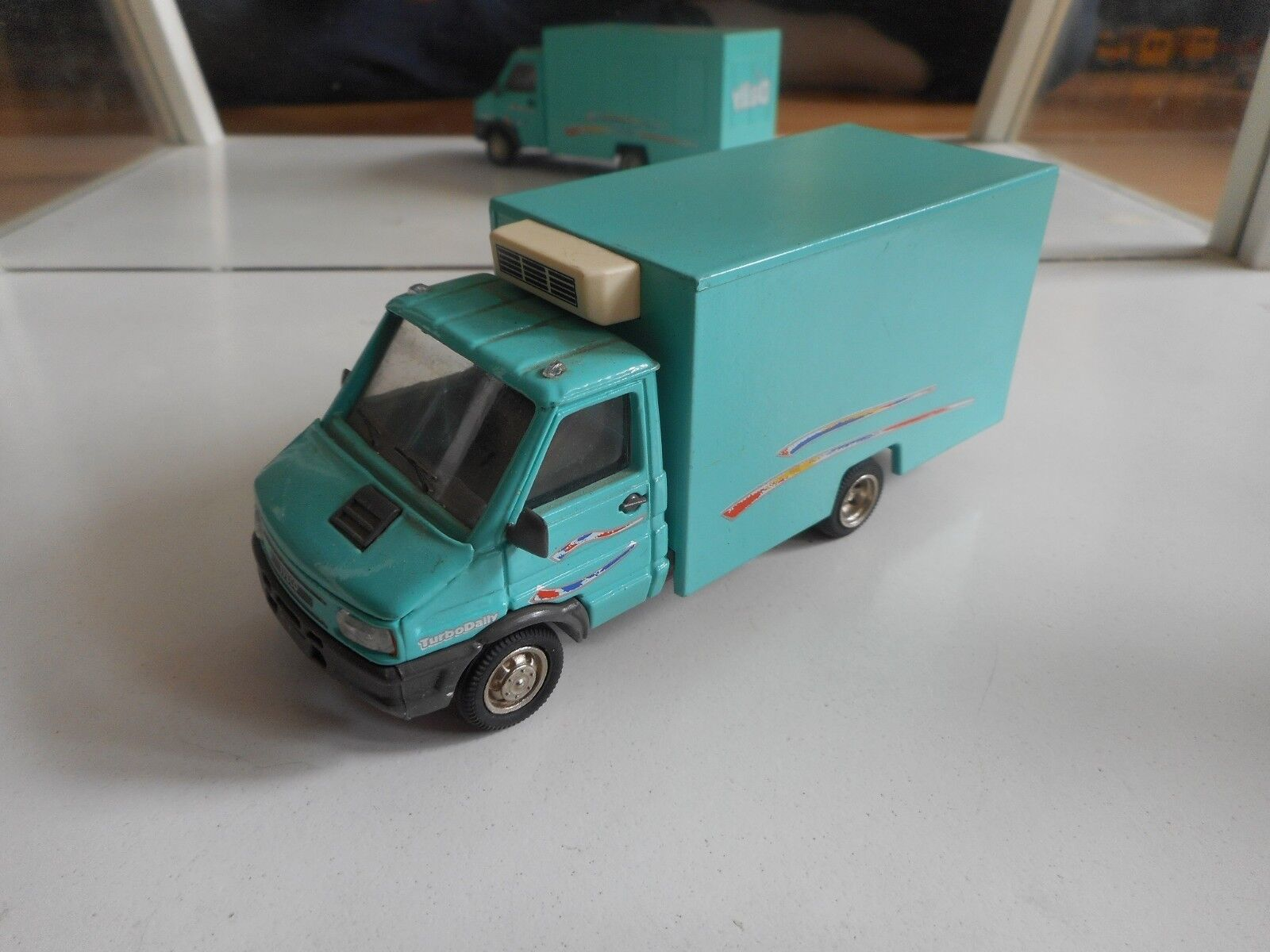 Old Car Iveco Turbo Daily in Light Green on 1 43