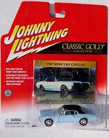 Johnny Lightning 1976 OLDSMOBILE CUTLASS SUPREME Garnet Red '76 Cutlass Supreme