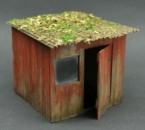 DioDump-DD152-Wooden-shed-1-35-scale-resin-diorama-building-LIMITED-EDITION