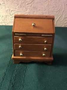 Hello-Dolly-Vintage-Flip-Top-Desk