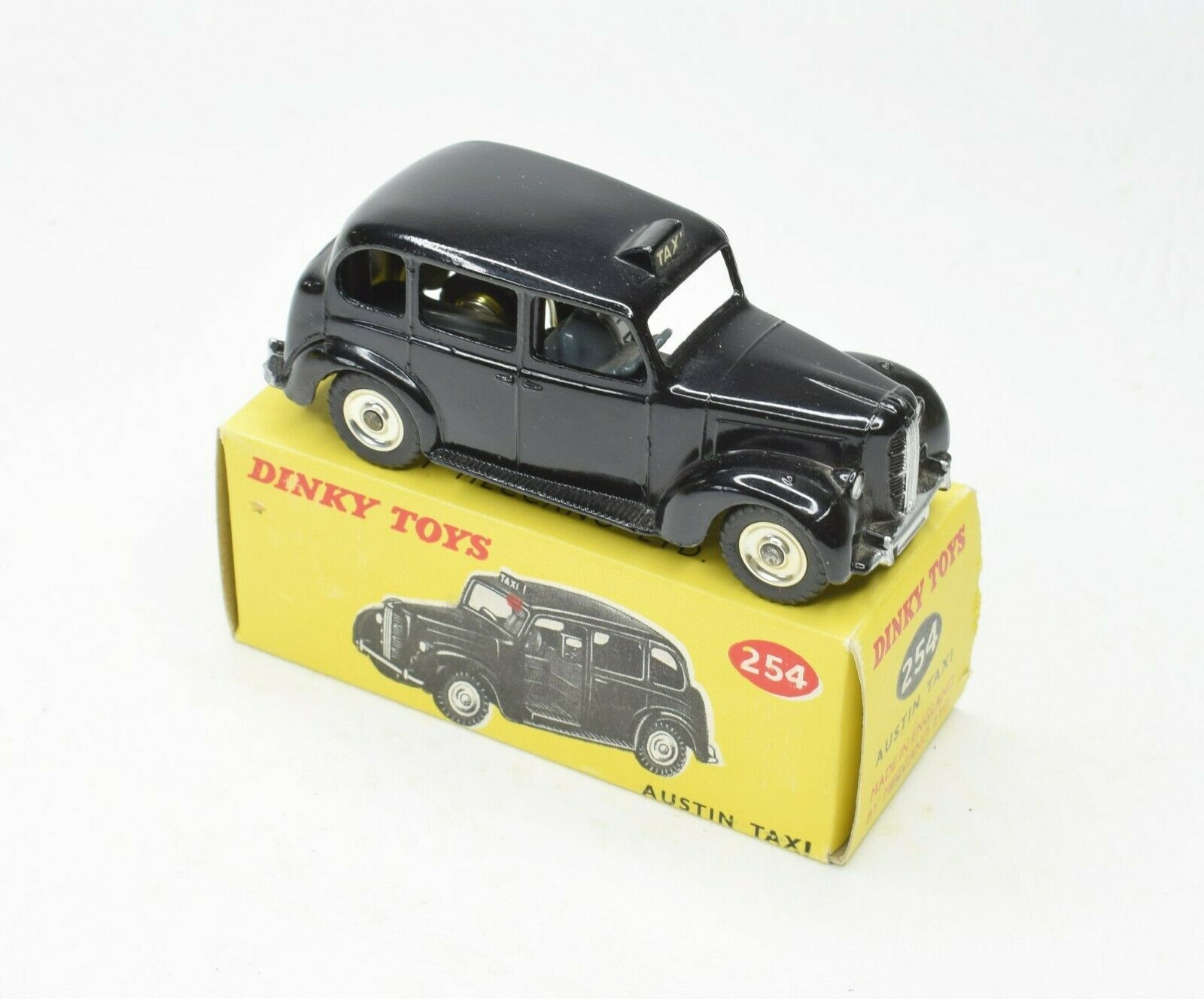 Dinky toys 254 Austin Taxi Virtually Mint Boxed