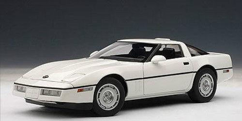 1 18 Autoart 1986 Chevrolet Corvette C4 blanc Bianco  Limited Edition  en ligne au meilleur prix
