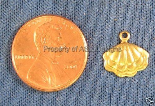 50pc Raw Brass Nautical Sea Scallop Shell Charms 4115