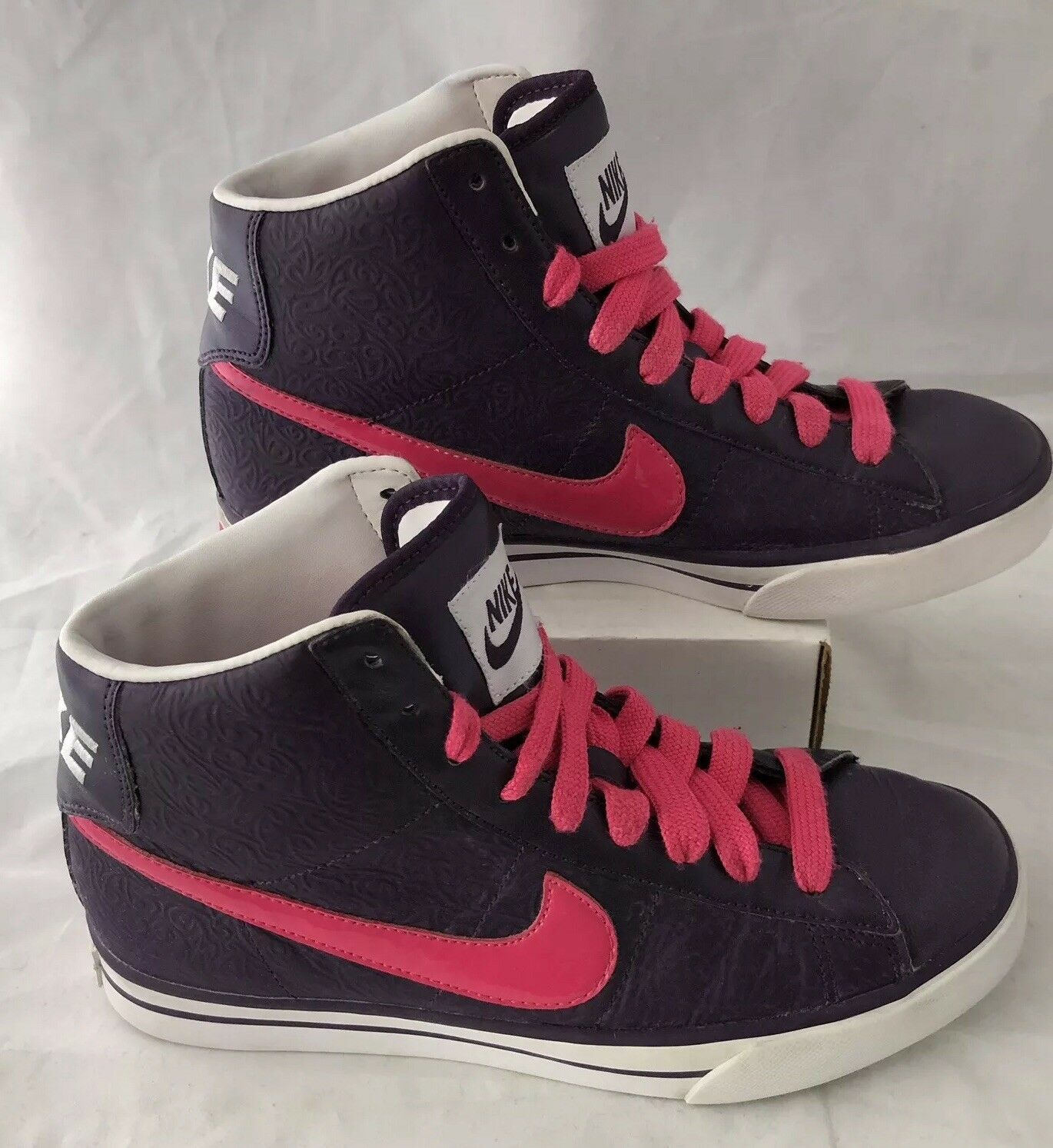 Nike Sweet Classic High Top Leather Athletic shoes Womens 7.5 Purple Pink Tooled