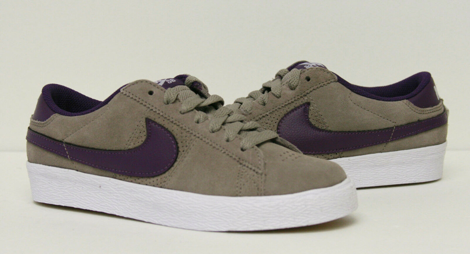 Nike SB Blazer Low Shoes 318960-251 Mens 4, 5, 7.5 Available Seasonal clearance sale
