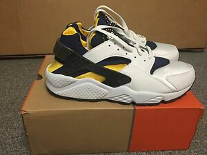 7b4241894eee VERY RARE Deadstock Nike Air Huarache Michigan 2003 03 Mens 12 - DS ...