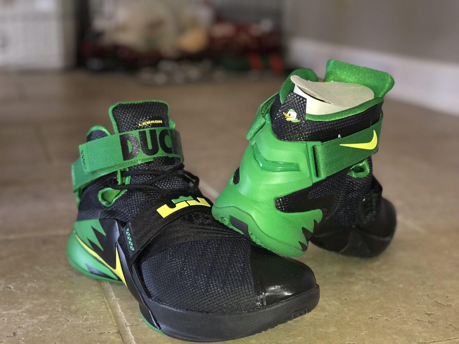 Nike Lebron Soldier IX PRM 749490-073 TEAM ISSUED PE Oregon Ducks DS SIZE 10.5