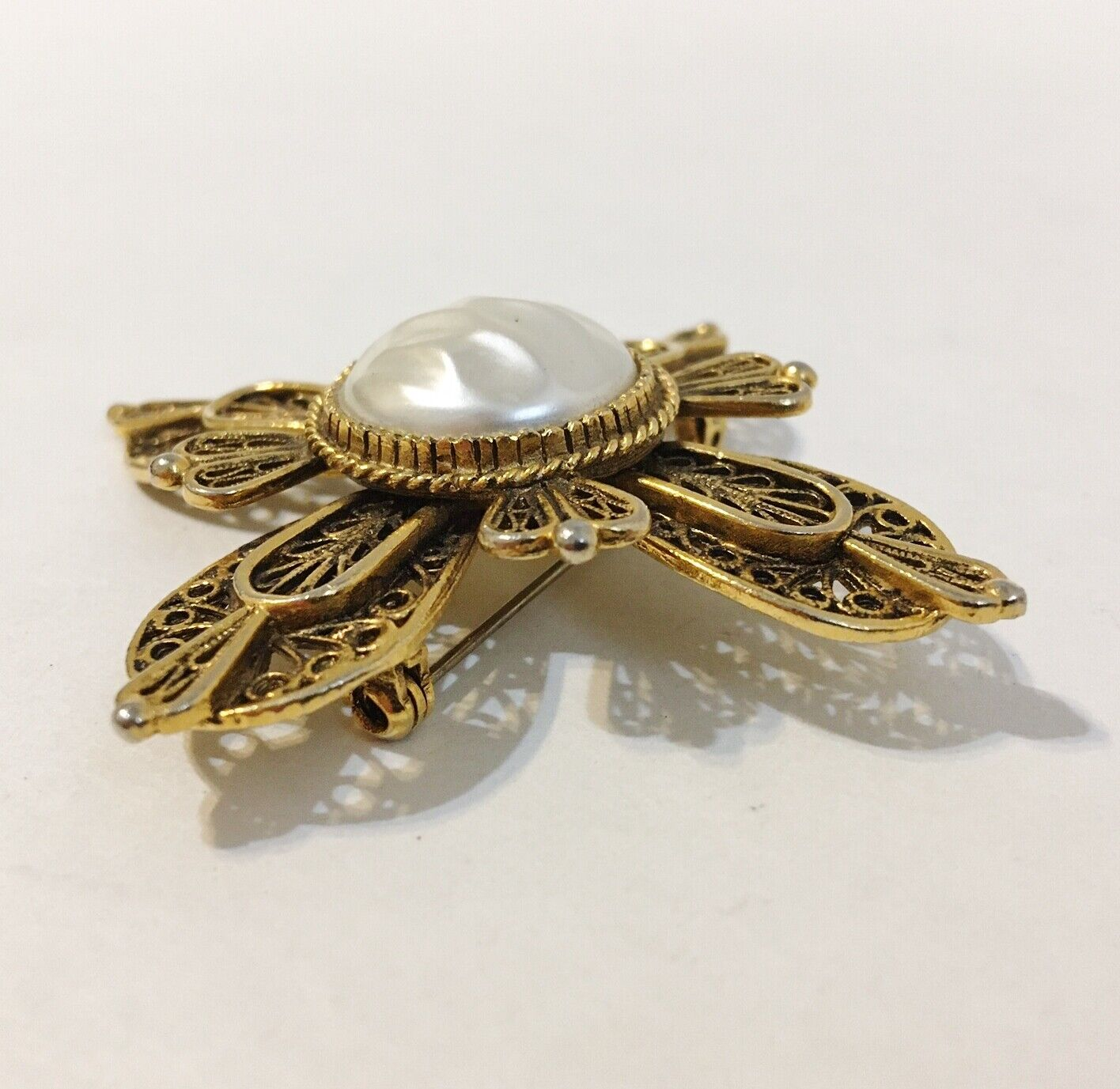 Avante Pin Brooch Vintage Faux Pearl Layered Orna… - image 3