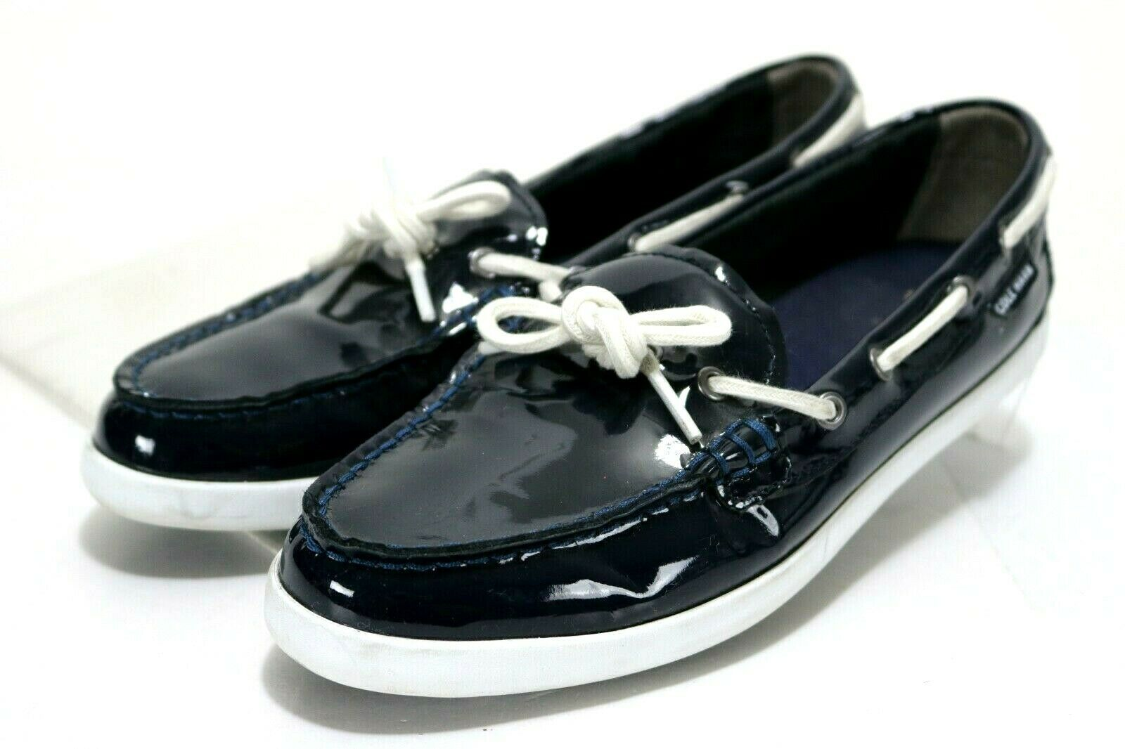 Cole Haan Nantucket Camp  120 Women's Patent Leather Boat shoes Size 8.5 B bluee