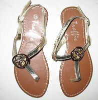 Traffic - - Size 5.5 Thong With Back Buckle Strap - Sandal Metallic