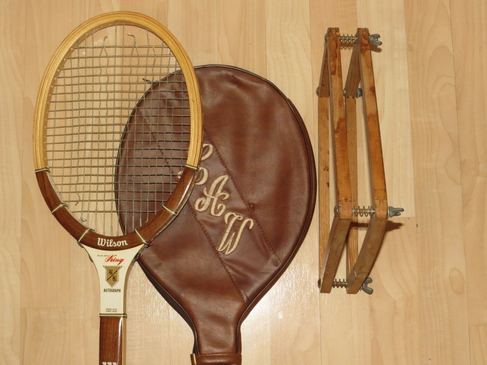 Wilson Wood Frame Collectors Racquet Guard, Endorsed by Billy Jean King,4-1 2