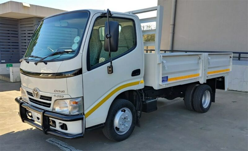2013 Toyota Dyna 4093 1.5 T/Code 10 Dropside for sale!