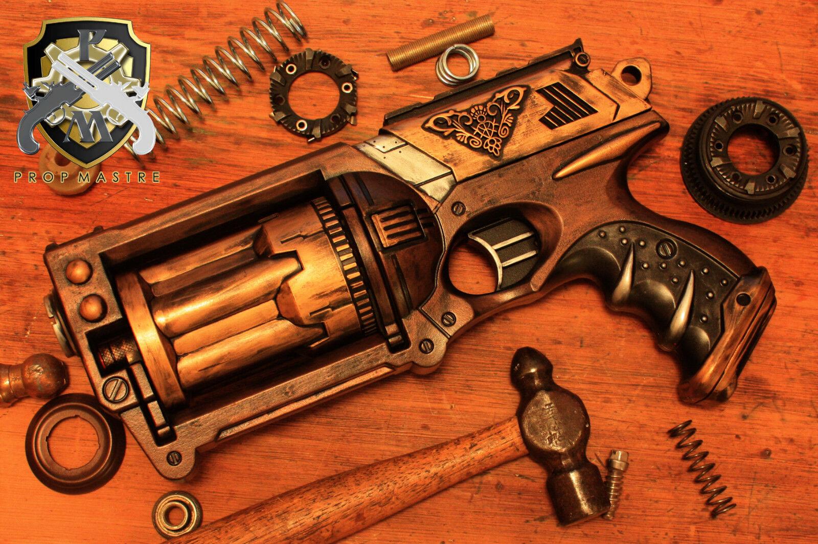 Pistola punk a vapor, revólveres antiguos, papel de cómic.