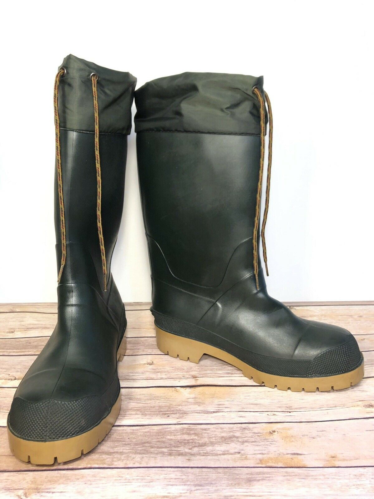 LL Bean Green Rubber Hunting Rain Snow Tall Boots Thermal Liner Men's Size 6