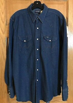 Vintage WRANGLER WESTERN SHIRT Size 17  34  Large Gently Worn 100-Percent Cotton Mother-of-Pearl Style Snaps Western Cowboy 3-Snap Cuffs