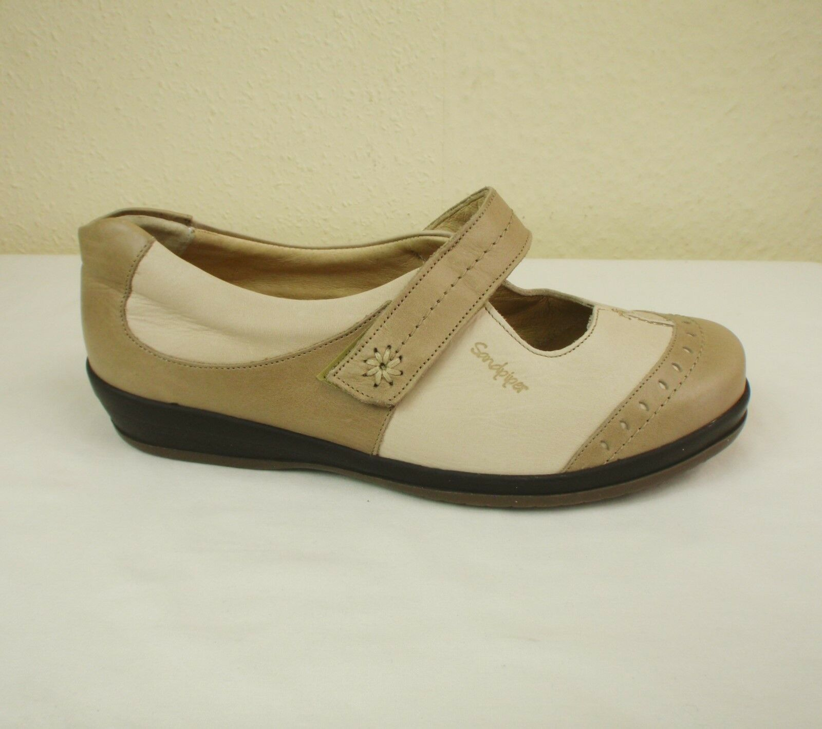 Sandpiper 'Filton' Sz 41 UK 7 Extra Wide Shoe Leather Mary Jane Flat Shoe Wide Beige Cream 2a9a6b