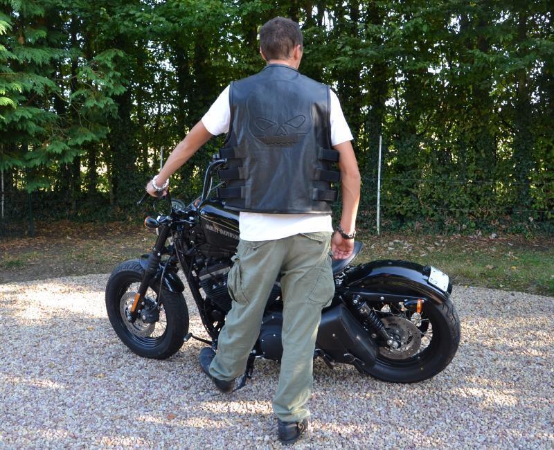 Gilet Jacket en Cuir de vachette style Pare Balle SKULL  tete de mort bikers HD