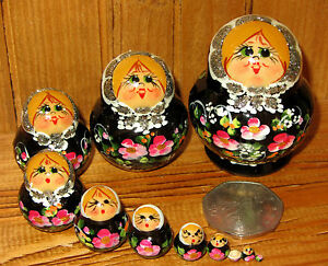 Matryoshka-Russian-nesting-dolls-MINIATURE-10-BLACK-amp-Pink-Flowers-TINY-signed