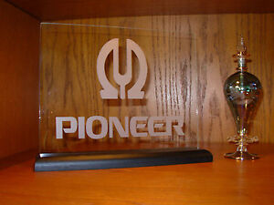 PIONEER-ETCHED-GLASS-W-BASE