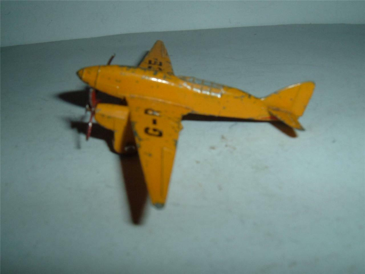 DINKY TOYS 60G LIGHT RACER EARLY VINTAGE PLAYWORN LOOK AT THE  PHOTOS