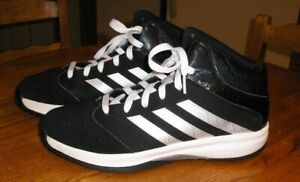 116f6854d08a Men s Adidas Isolation 2 Mid Basketball Shoe Black Silver Size 10.5 ...