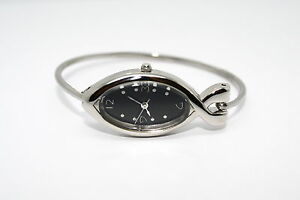 WOMENS-SILVER-STAINLESS-STEEL-FISH-SHAPE-BLACK-DIAL-CHRISTIAN-BANGLE-DRESS-WATCH