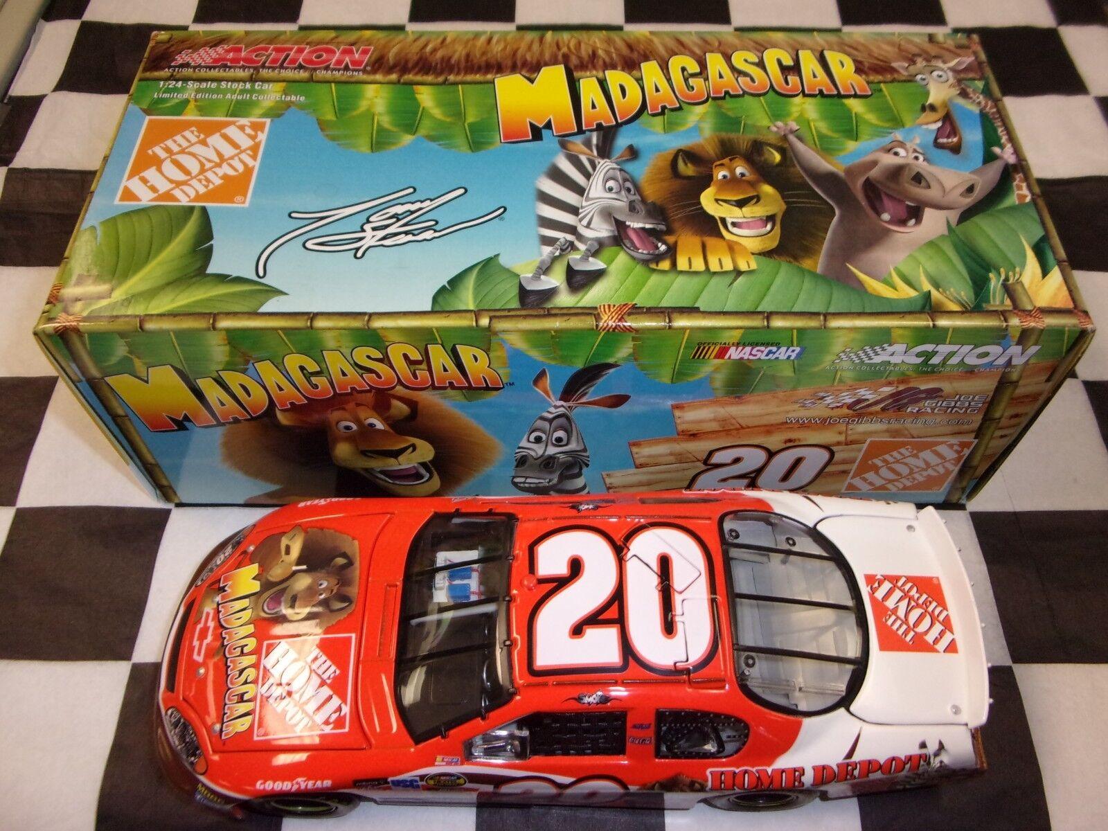 Tony Stewart  20 Home Depot Madagascar 2005 Monte Carlo NASCAR Action 1 24 scale