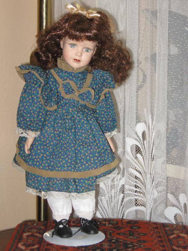 Porcelana Vintage Muñeca Morena Lainey Europa 40 Cm