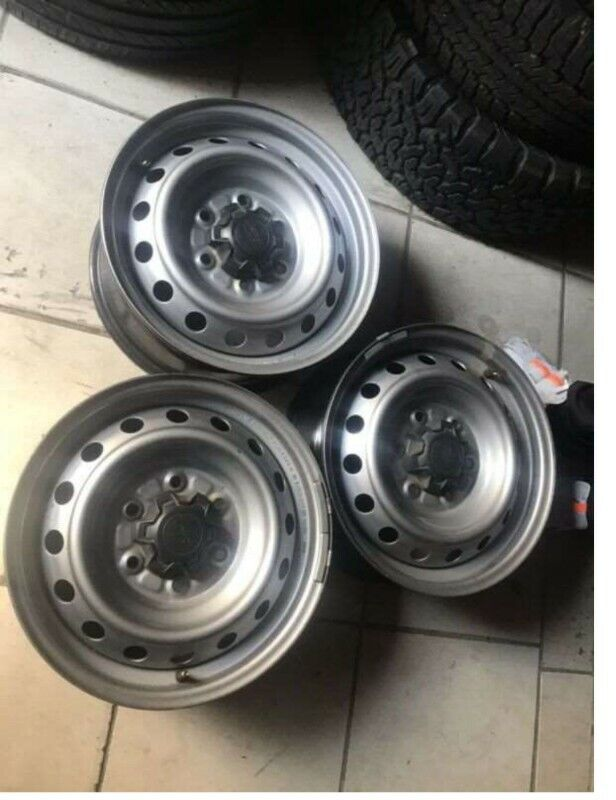 Ford ranger spare wheel for sale still like new 17 inches