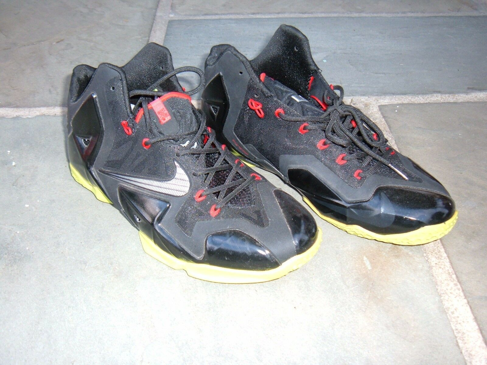 Nike LeBron James / 616175 063 Flywire hombres negro 4 / 24 / James 12 talla 10 Basketball Wild Casual Shoes 173514