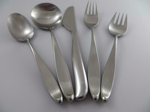 1 Five Piece Pace Setting DESIGN 2 Japan 18//8 Stainless Steel Flatware
