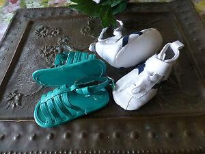 lot-Superbe-comme-neuves-Sandalettes-Chaussures-de-sport-bebe-ou-poupon
