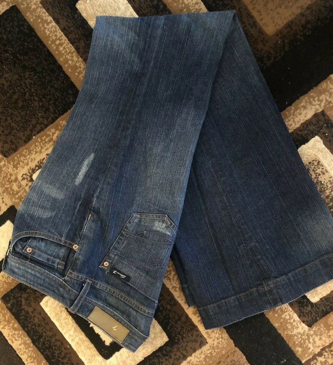 SEVEN JEANS WOMEN's DISTRESSED BOOT CUT-wide Legs-SIZE 28-NWOT-ships Free-199
