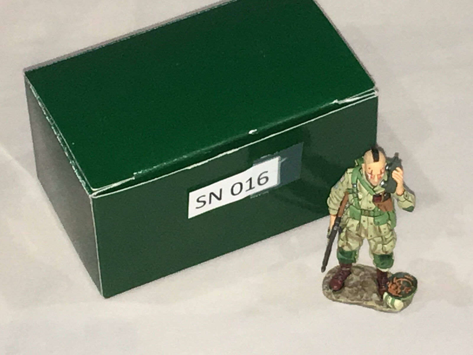 King & Country DD46 D-Day 44 mohawk soldier w  canteen w  box (SN 016)