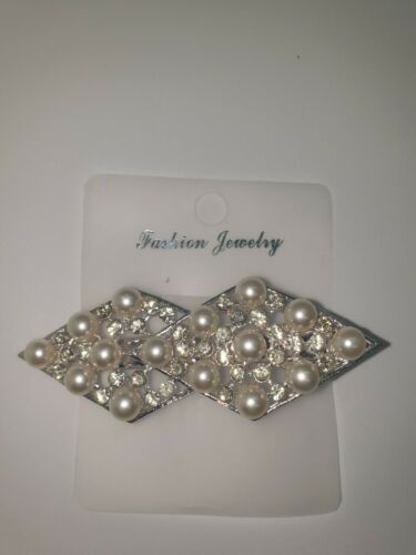 UK SELLER Hair clips with gems and pearls