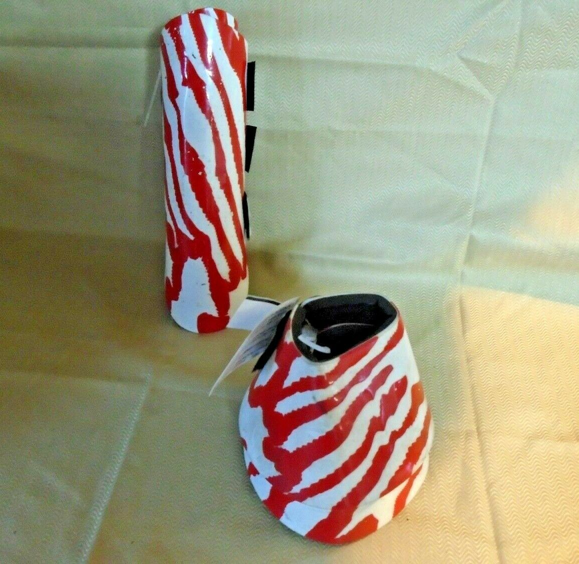 Davis Medium Horse Splints and Bell Boots PAIR OF EACH (4) pieces Red + White