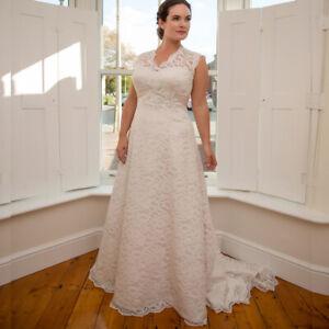 plus sizes lace white/ivory wedding dresses corset open
